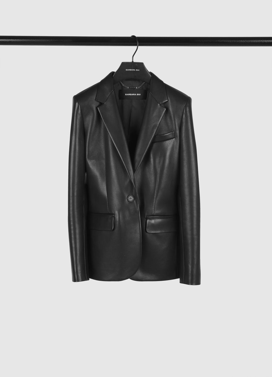 Fitted tailored leather jacket
