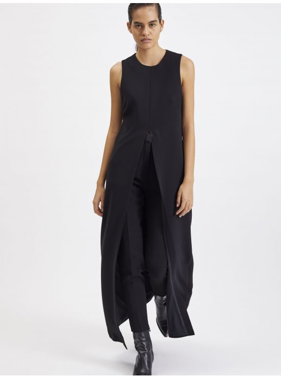 Sleeveless crepe overdress