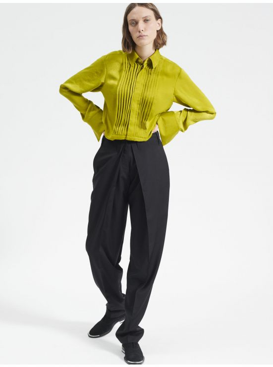 Masculine trousers with pleats