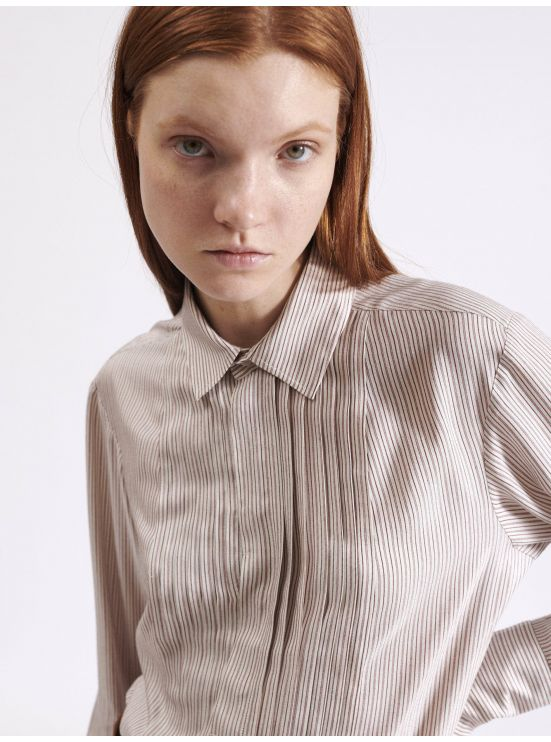 Bib shirt with thin stripes