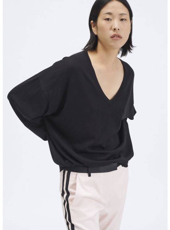 Thin wool and silk V-neck jumper