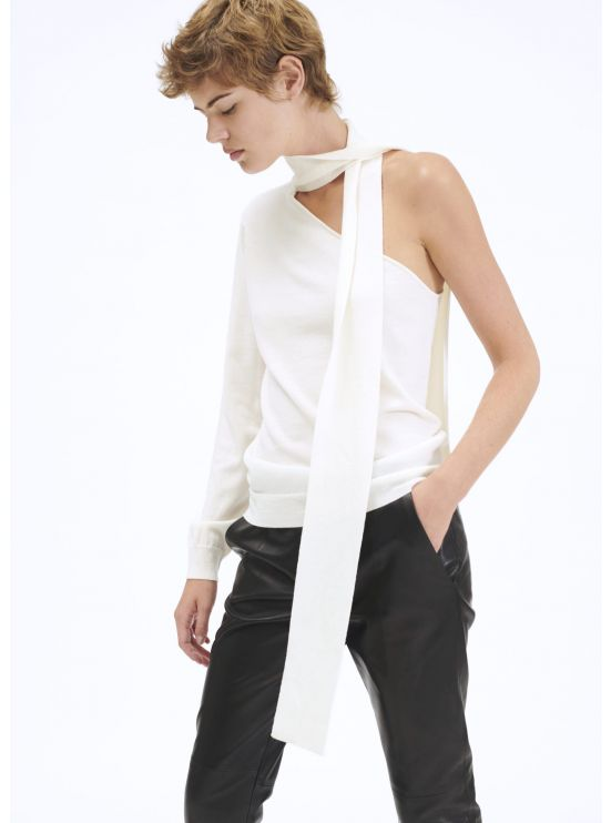 Knit jumper with asymmetrical shoulders