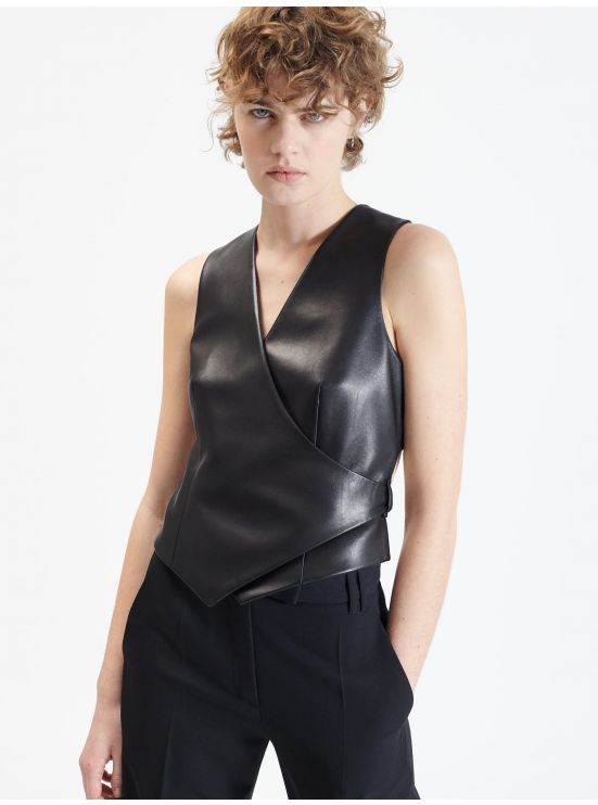Short leather waistcoat with crossed straps