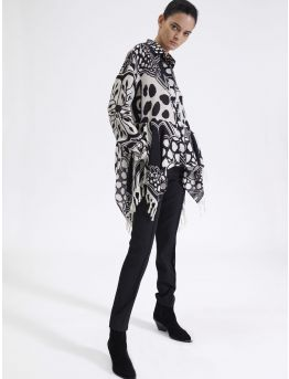 Wool shirt with graphic leopard print
